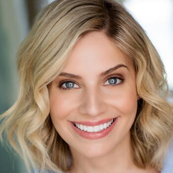 Sarah Marince Voice Over Talent Headshot07